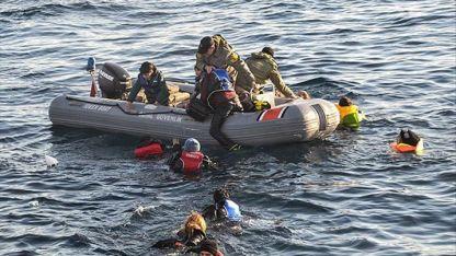 Yunanistan'ın Ege'de düzensiz göçmenleri geri itmesi İtalyan basınında