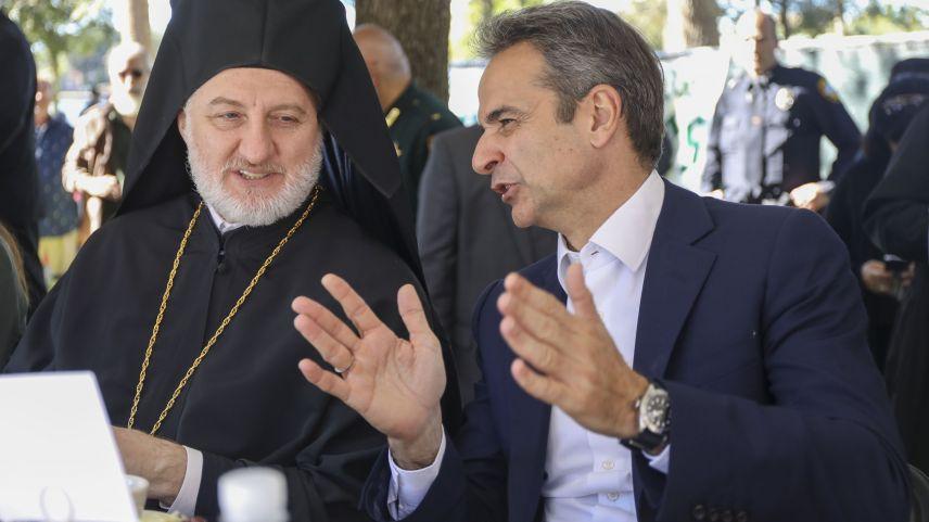 Miçotakis, Türkevi açılışına katıldığı için üzgün olan Başpiskopos ile görüştü