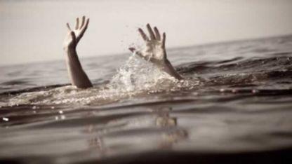 Darbedilerek denize atıldığı iddia edilen 3 göçmenden 2'si öldü