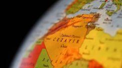 Cezayir, hava sahasını Fransız askeri uçaklara kapattı