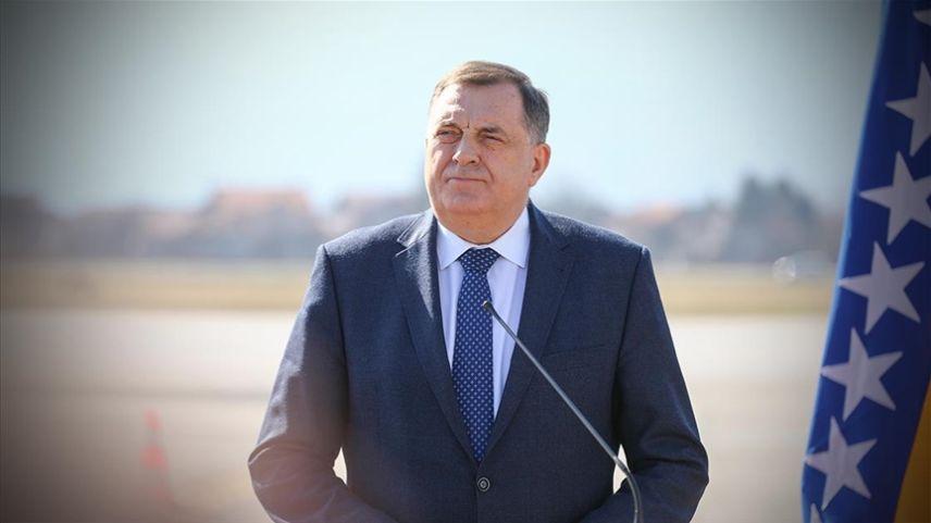 Soykırım suçlusu Karadzic'in rolüne soyunan Dodik kendi sonunu mu hazırlıyor?