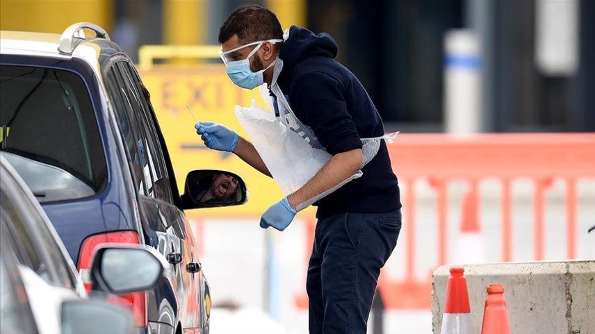 İngiltere: 43 bin kişiye Kovid-19 testlerinin yanlışlıkla negatif olduğu söylendi
