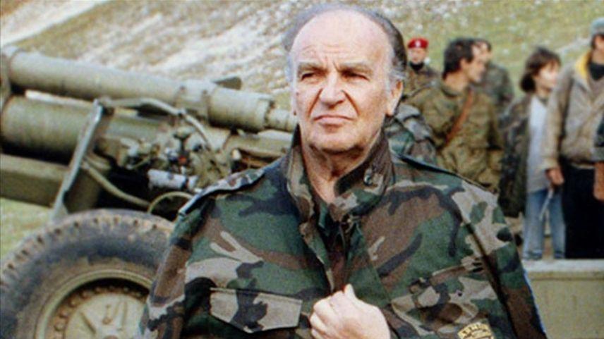 Bosna Hersek'in ilk Cumhurbaşkanı Aliya İzetbegoviç vefatının 18. yılında özlemle anılıyor