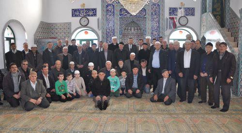 Başkonsolos Ali Rıza Akıncı Yahyabeylili soydaşlarla kucaklaştı