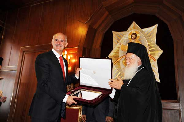 Papandreu Bartholomeos'u ziyaret etti