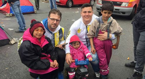 Anadolu Genç Fenerbahçelilerden Suriyeli kardeşlerine yardım eli