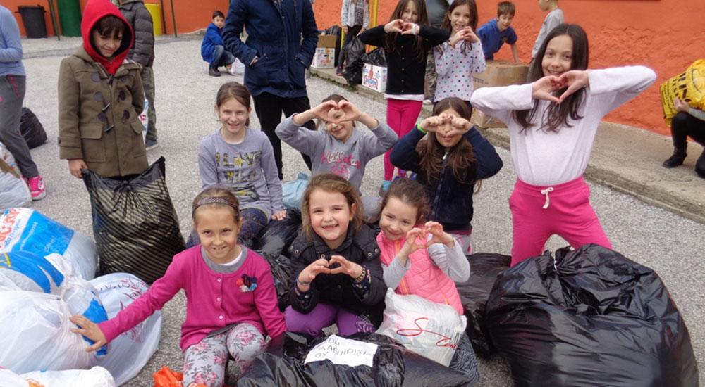 İskeçeli Öğrencilerin Yardımları Mültecilere Ulaştırıldı