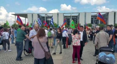 Ermeniler, Yunanlar ve PKK'lılar Türkiye Karşıtı Kararı Birlikte Kutladı