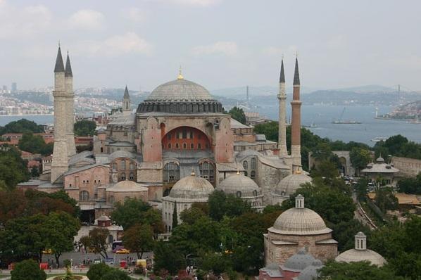 Yunanistan Ayasofya'da Sahur Programı Nedeniyle Türkiye'ye Tepki Gösterdi