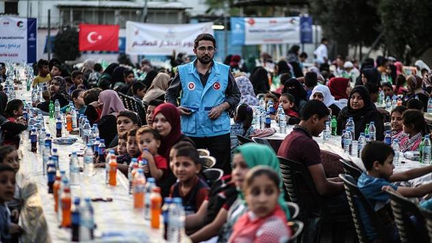 Türkiye Diyanet Vakfı'ndan Gazze'de Bin Kişilik İftar