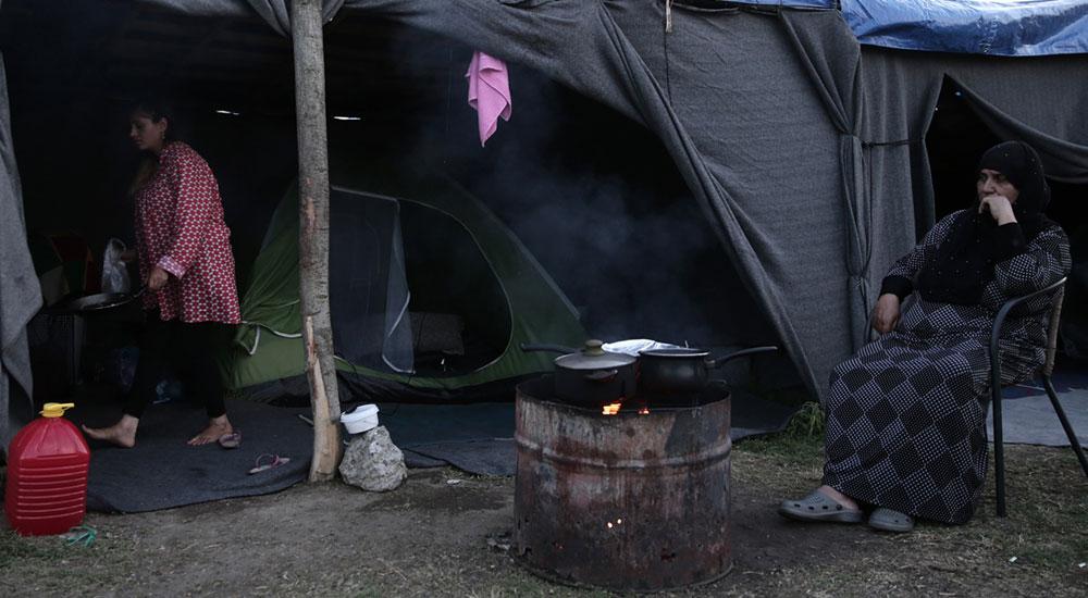 Yunanistan'da sığınmacılar ramazanın ilk gününü hasretle geçirdi