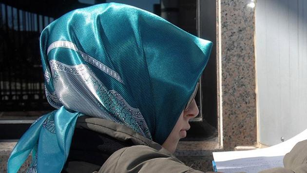 17 yaşındaki Müslüman Kız Kanada'nın 'En İyi Beyni' Seçildi