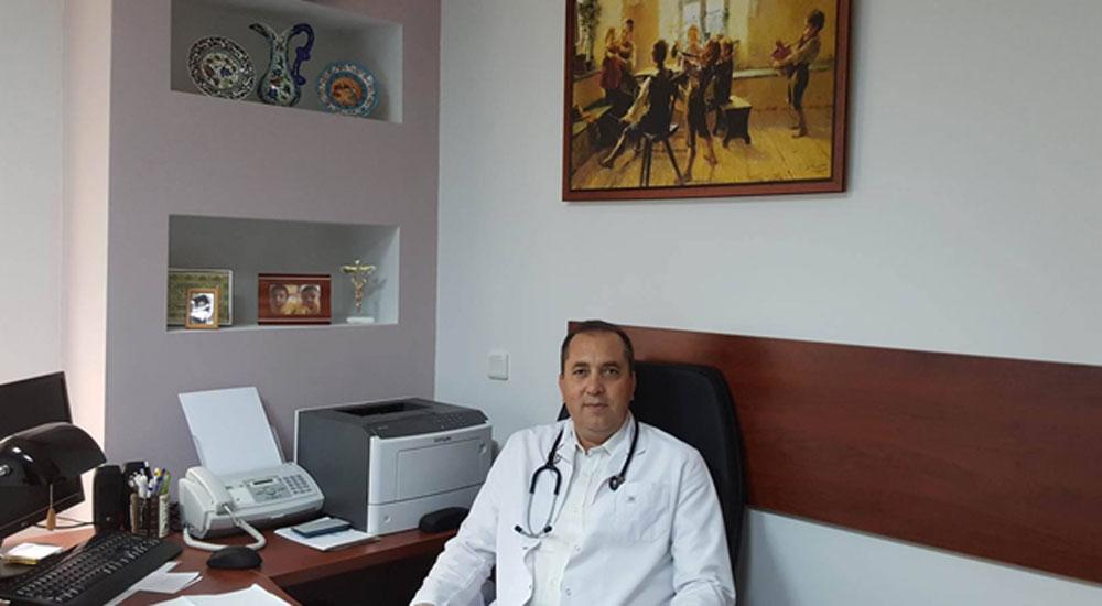 Çocuk Doktoru Feyzullah Dahil muayenehanesinde hizmete başladı