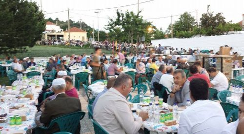 Mehrikozlu Oruç ailesi iftar verdi