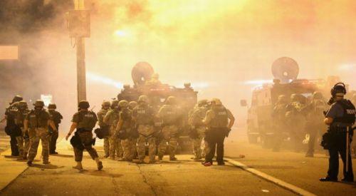 ABD'de Irkçılık Karşıtı Protestoya Polisten Bombalı Müdahale