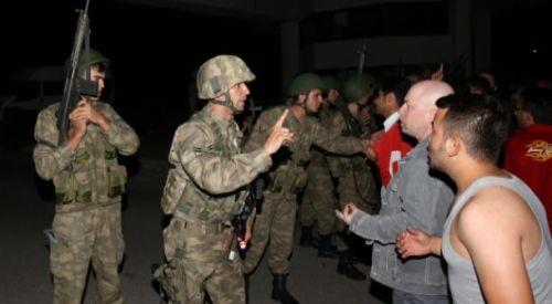 Η απόπειρα πραξικοπήματος στην Τουρκία υπο το βλέμμα των ξένων ΜΜΕ