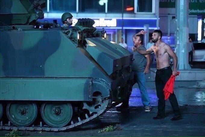 Οι τούρκoı έγραψαν έπος, ορθώνοντας ανάστημα στα άρματα μάχης