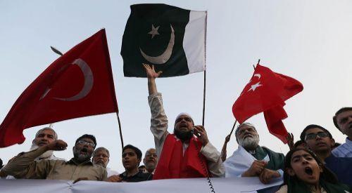 Pakistan FETÖ ile mücadelede Türkiye'nin yanında