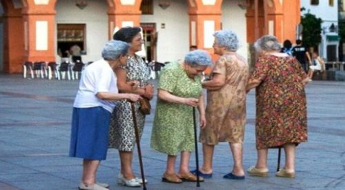 EUROSTAT: Avrupa yaşlanmaya devam ediyor!