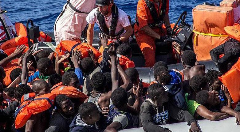 Akdeniz'de göçmenlerin botunda 25 ceset bulundu
