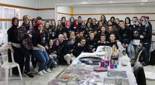 İskeçe Azınlık Lisesi son sınıf öğrencilerinden başarılı kermes