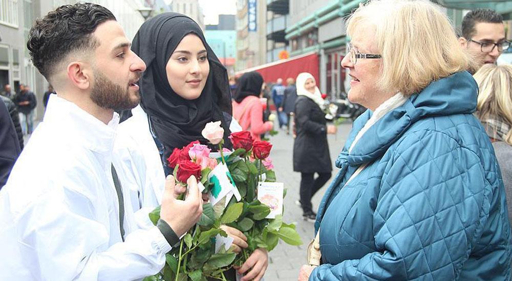Hollanda'da 'Buyurun ben Müslümanım' etkinliği