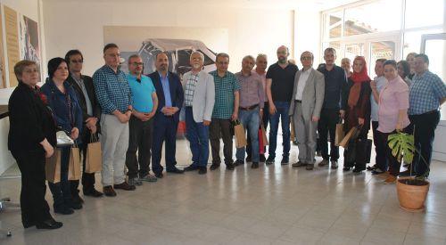 Türkiyeli akademisyenler DEB partisi genel merkezini ziyaret ettiler