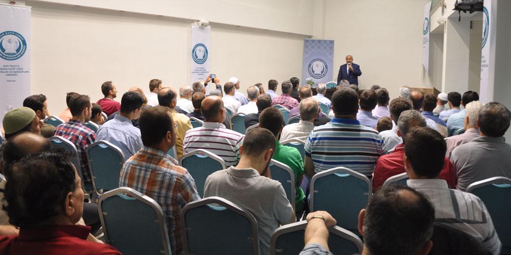 """""""Balkanlar'da Gençlik"""" konferansı büyük ilgi gördü"""