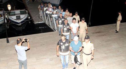 Firari FETÖ'cüler Yunanistan'a kaçmaya çalışırken yakalandı