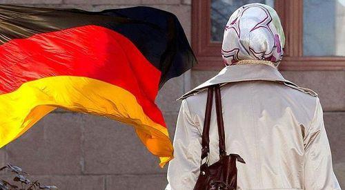 Almanya'da mahkemede hakimin İslam düşmanlığına tepki