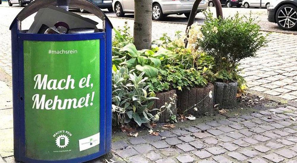 Almanya'daki çöp kovaları üzerinde Türkçe isim skandalı