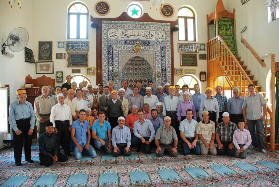 Başkonsolos Şener İskeçe'de ilk Cuma namazını Paşevik köyünde kıldı