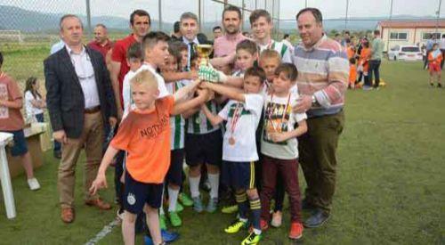 Kurcalı, Kozlukebir'de düzenlenen futbol turnuvasının galibi oldu
